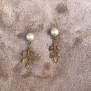 Jewelry - Bronze Leaf Earrings with Faux Pearl